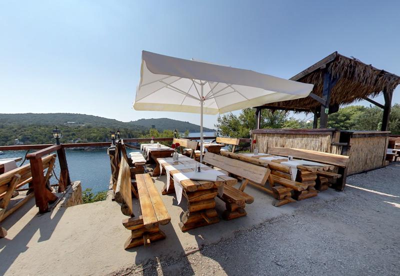 Restaurant Šišmiš - Maslinica