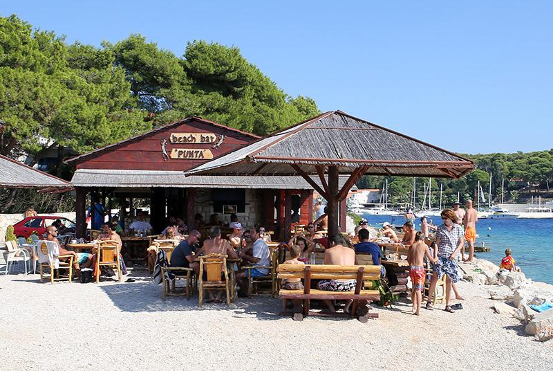 Beach bar PUNTA - Maslinica, otok Šolta